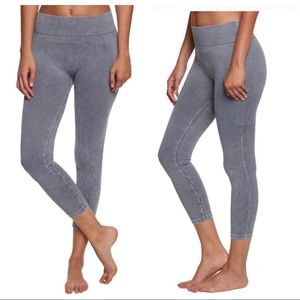 NWT: ONZIE • Stonewash Seamless Legging - S/M